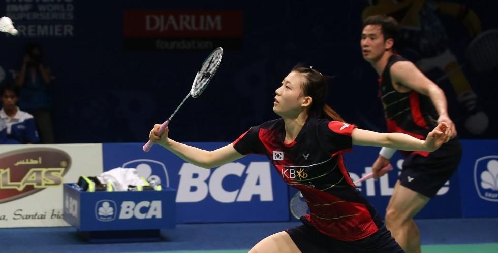Wang Yihan Sniffs Superseries Glory – Day 6: BCA Indonesia Open 2016