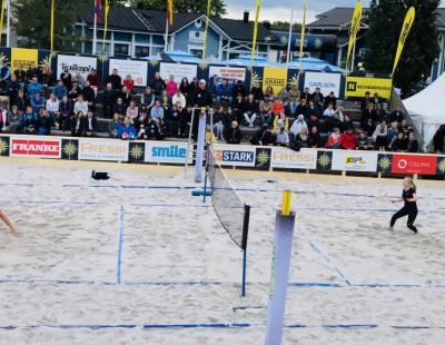 AirBadminton Tournament Debuts at Popular Fest