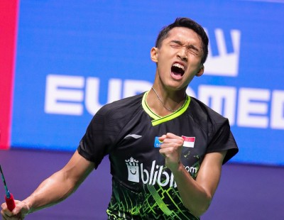 Christie Wins, Axelsen Cramps – French Open: Day 5