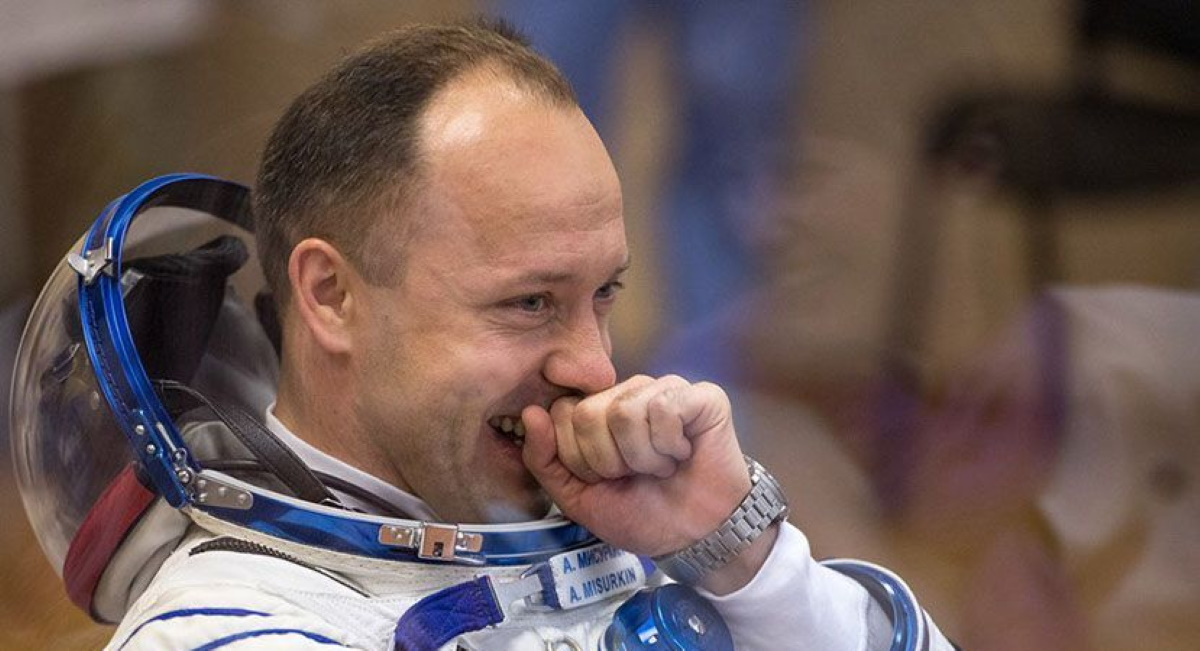 Cosmonaut Says Badminton Ideal for Space Crews