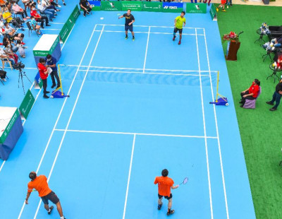 Desert Metropolis to Badminton Hub