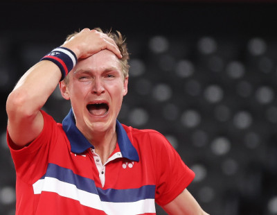Axelsen Scales Olympic Summit